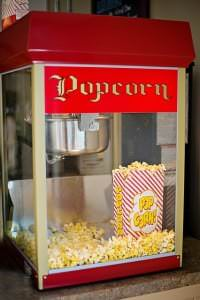 popcorn-machine-825636_640