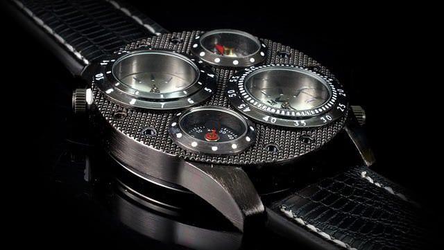 Uhr mit Rekorder aus der Serie Bosch
