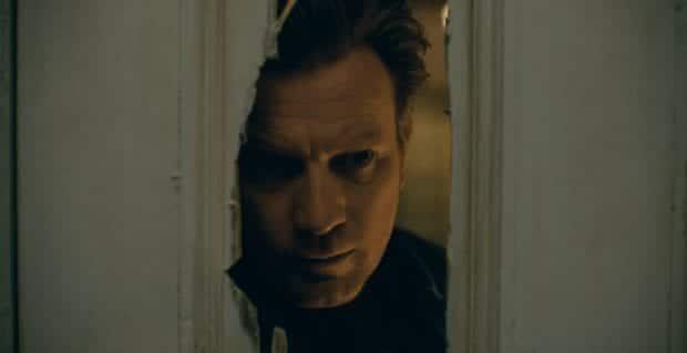 """Danny Torrance untersucht die Handarbeit seines Vaters in """"Doctor Sleep""""."""